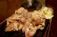 くわ焼き鶏は各部位530円(税別)~。おまかせmix焼き620円(税別)がオススメ!