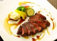 【国産和牛のフィレステーキ】やっぱり和牛が一番!柔らかく食べごたえのあるお肉料理
