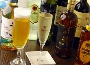 ビール、ハイボール、焼酎、ワイン、モヒート、カクテル、ノンアルまでドリンクも充実!中でも「こぼれスパークリングワイン」はイチオシ★樽詰めした、香り豊かな一杯。いつでもフレッシュな味わいを楽しめるよ