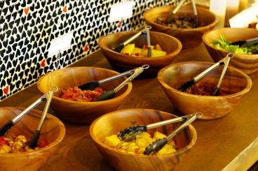 全てのランチについている「前菜バイキング」★時間無制限でお好きな惣菜をお好きなだけどうぞ!