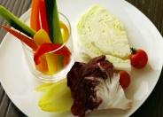 【バーニャカウダー】新鮮野菜をたっぷりと。自家製ソースと合わせてどうぞ♪