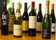 常に20~25種のワインを取り揃え!