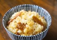 「牛ごぼう飯」は二番ダシを使用した通に人気な一杯