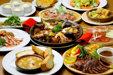 スペインの煮込み料理「チリンドロン」も新たに登場♪