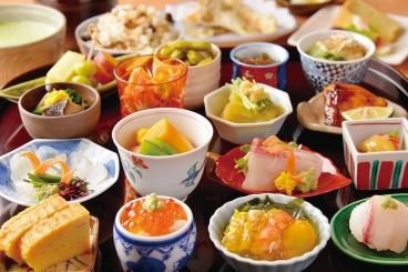 「2019年特別コース」2,019円(税別)   2・3月は、華やかな16種類の前菜。旬の食材を使用した多彩な味が少しずつ堪能できる