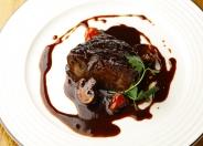「牛ホホ肉の赤ワイン煮」お肉といえばコレは注文したい逸品。柔らかさに感動!