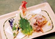 サイドメニューも豊富、天ぷら盛合せ650円(税別)