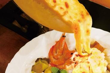 「ハイジのチーズ地元のお野菜とバケット」 ランチは2名様以上~。ディナーは単品注文で大皿で1皿から注文できる