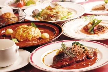 ビーフシチューセット(スープ・サラダ・パンorライス付) 1,800円/税別