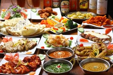 パーティコース 2,500円(税込)・3時間 サラダ、マライティッカ、チキンティッカ、手羽先、ポテト、唐揚げ、ナン、カレーなど10種類以上の料理が楽しめます