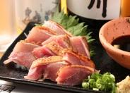 地鶏のタタキ 690円(税別)
