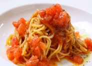 UMECHI特製トマトのパスタ(ディナー限定980円)