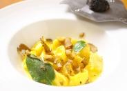 """色々なチーズのラビオリ """"アニョロッティ""""セージとバターソース(入荷があれば追加でトリュフをかけられます)"""
