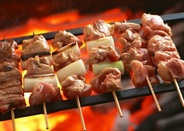 種類豊富な【串焼き】は、 お酒のおつまみにピッタリ! ジューシー&カリッとをテーマに焼いている為、 ◆特に週末に、提供まで【かなりお時間】がかかります。。◆