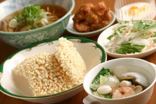 西尾 デート、食事会、宴会に 中国台湾料理 唐人館