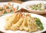 ランチバイキングは和・洋・中60種類以上の料理が食べ放題!